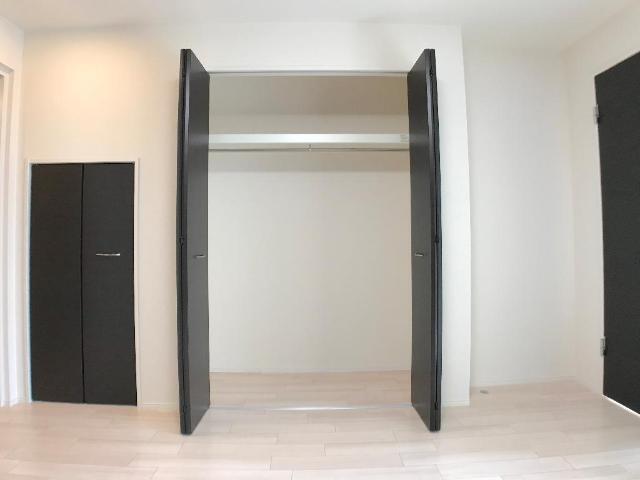 新作新築アパート 101号室の居室