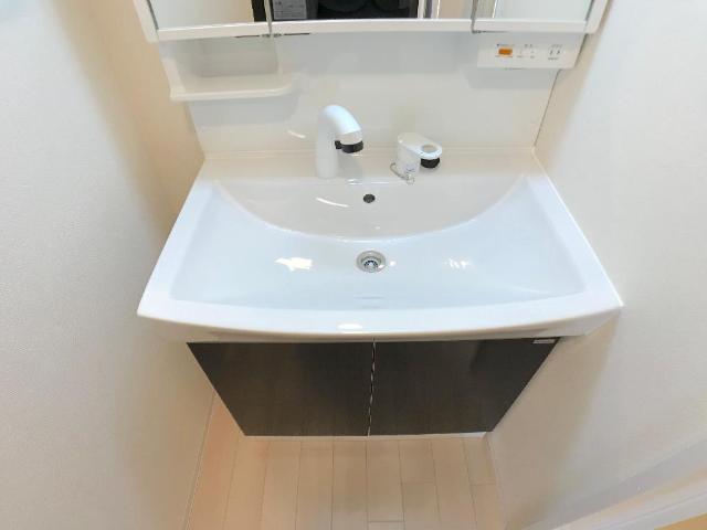 新作新築アパート 102号室の洗面所