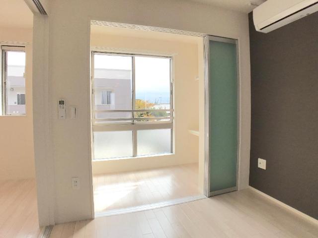 新作新築アパート 202号室の居室