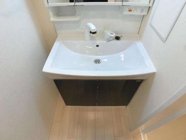 新作新築アパート 202号室の洗面所