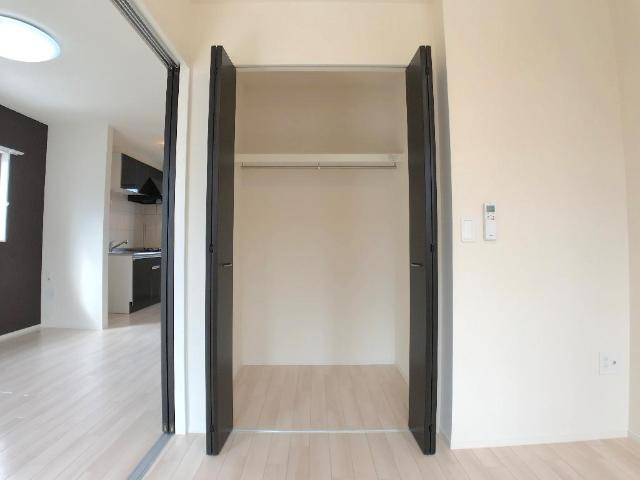 新作新築アパート 203号室の収納