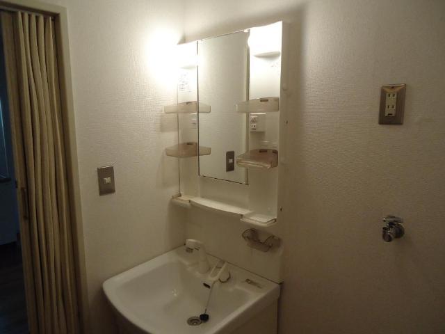 サンコーポ 00103号室の洗面所