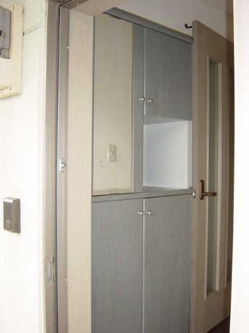 グリーンフィールド作野ヶ丘 201号室の玄関