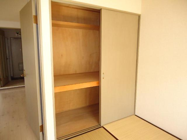 グリーンフィールド作野ヶ丘 201号室の収納