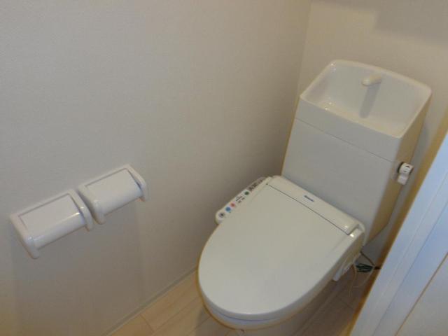 リベルタS 202号室のトイレ