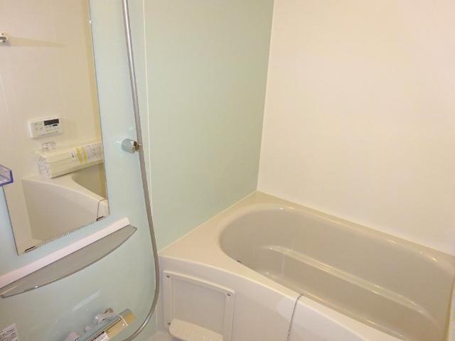 リベルタS 202号室の風呂
