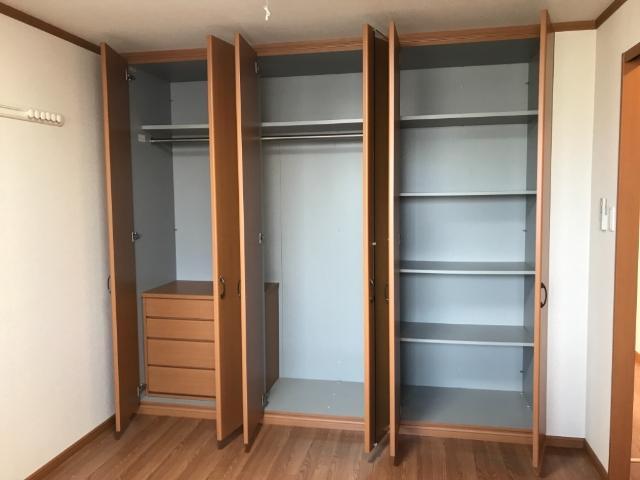 サン・ビレッジM 202号室の収納