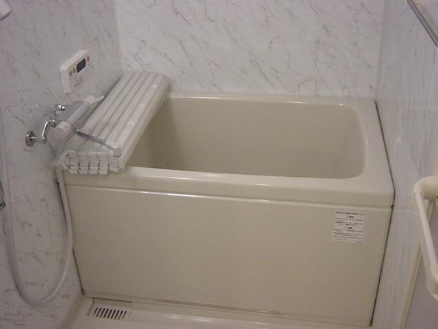 ヴィル・グラシュー・アン 101号室の風呂