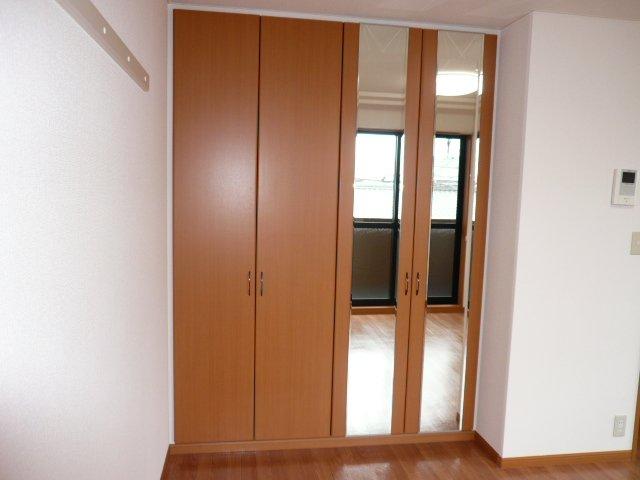 グランピュア 103号室のベッドルーム