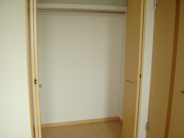 ツー・ライト志段味 201号室の収納