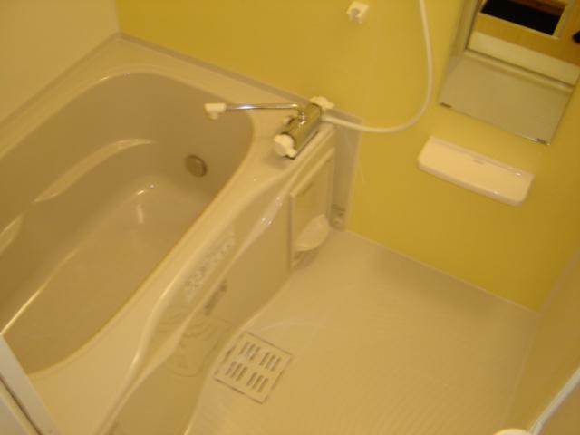 ツー・ライト志段味 201号室の風呂