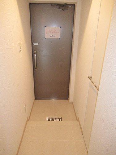 レクシオシティ王子神谷 502号室の玄関
