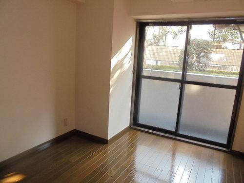 レクセル五反野 104号室の居室