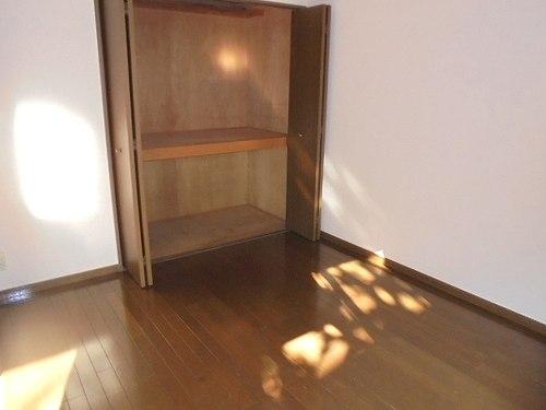 レクセル五反野 104号室の収納