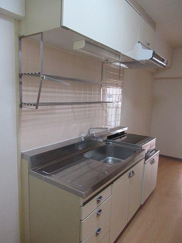 ライオンズマンション五反野 206号室のキッチン