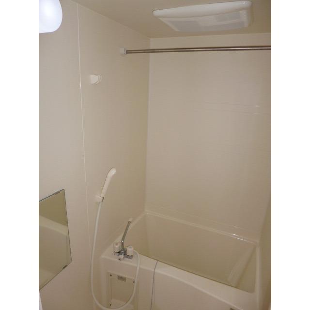 アムール 本郷台 106号室の風呂