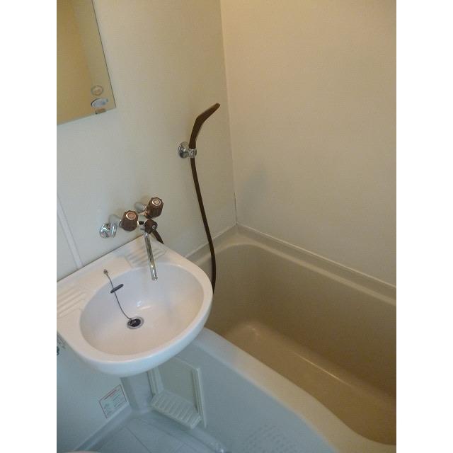 エンジェルハイツ26番館 101号室の洗面所