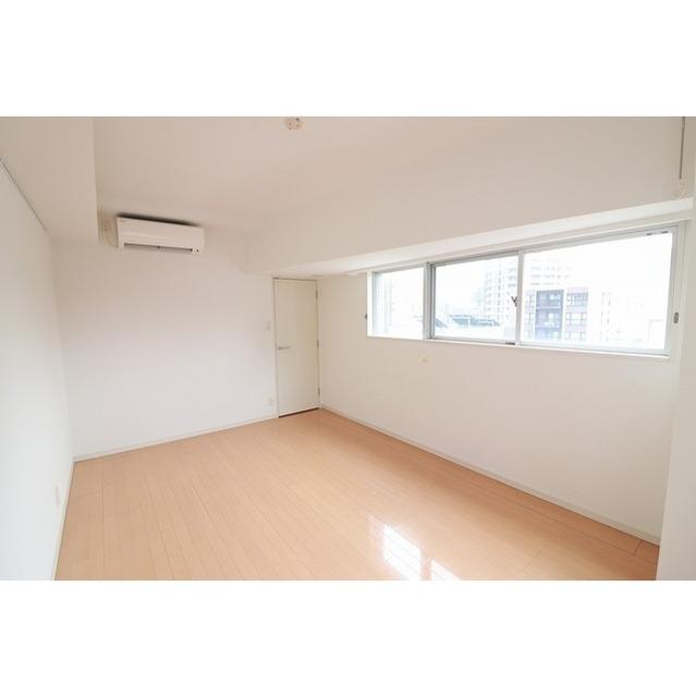プラース千代田富士見 706号室の玄関