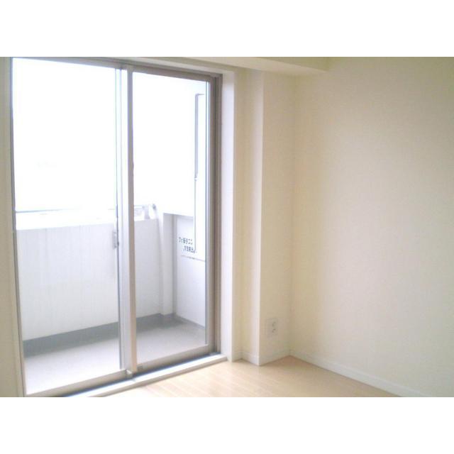 コンフォリア春日富坂 0610号室の駐車場
