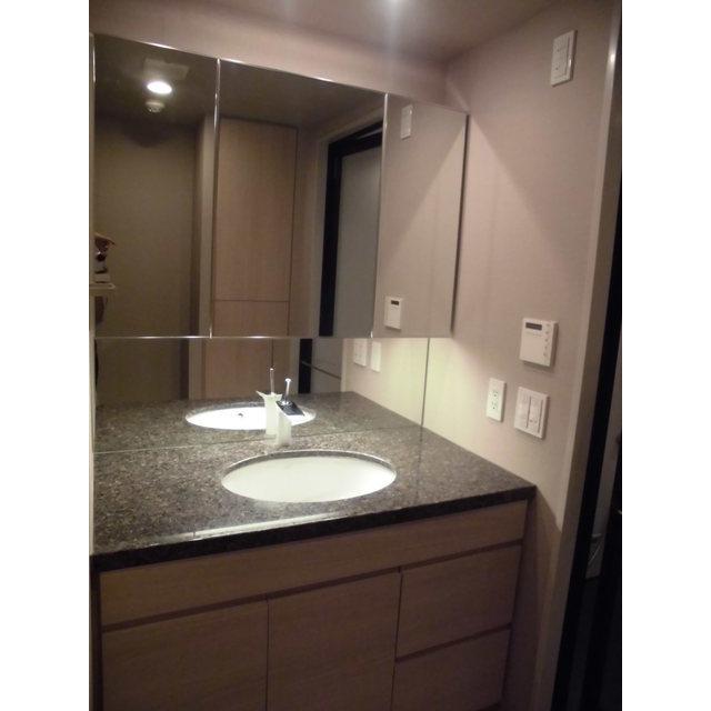 クロスエアタワー 2615号室の洗面所
