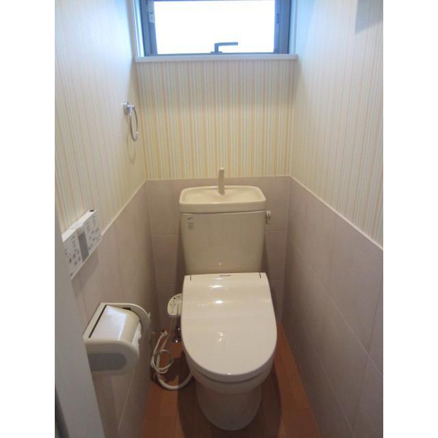 上池台3丁目貸家のトイレ