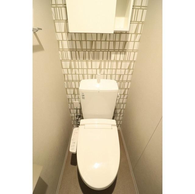 ROYGENT SUGAMO EAST 108号室のトイレ