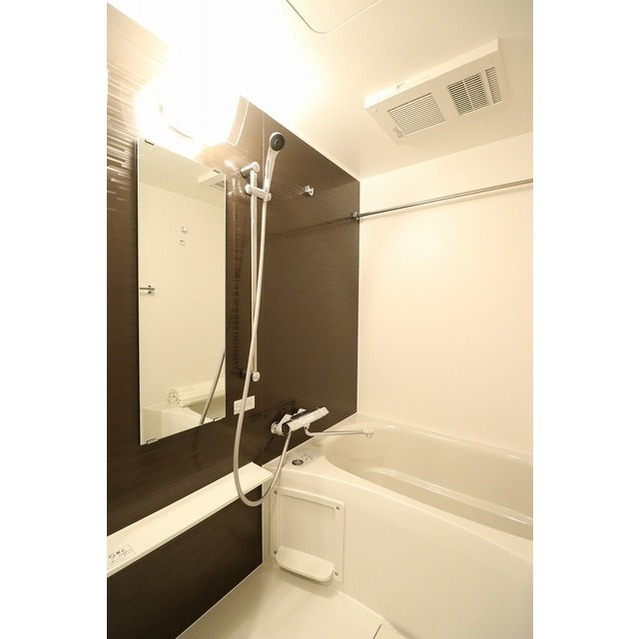 ROYGENT SUGAMO EAST 310号室の風呂