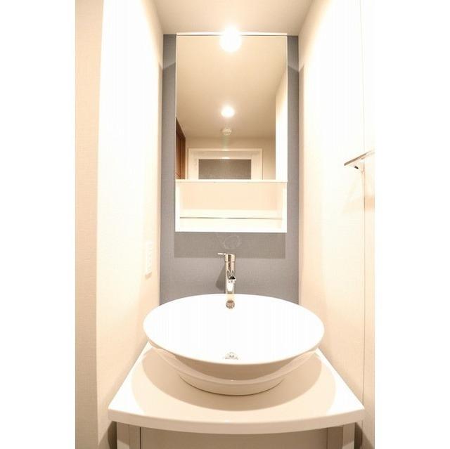 ROYGENT SUGAMO EAST 310号室の洗面所