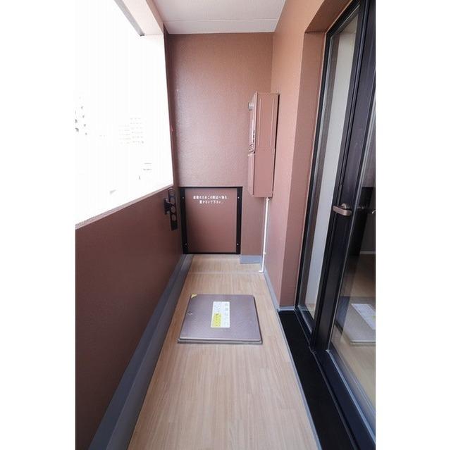 ROYGENT SUGAMO EAST 310号室のバルコニー