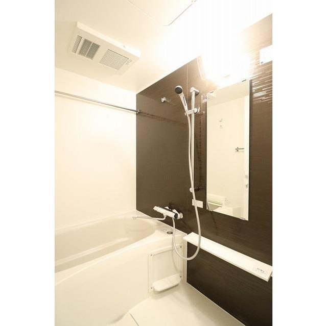 ROYGENT SUGAMO EAST 214号室の風呂