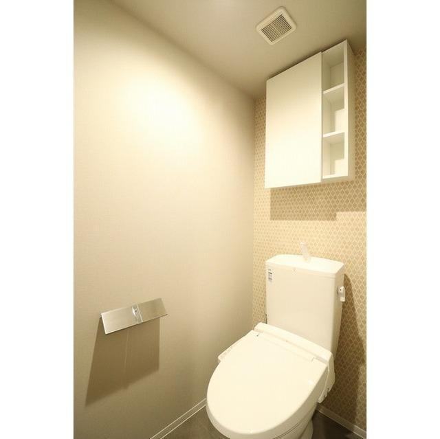ROYGENT SUGAMO EAST 214号室のトイレ