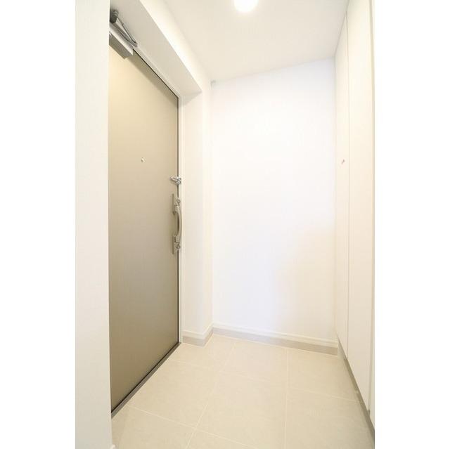 ジオエント巣鴨 0804号室の玄関