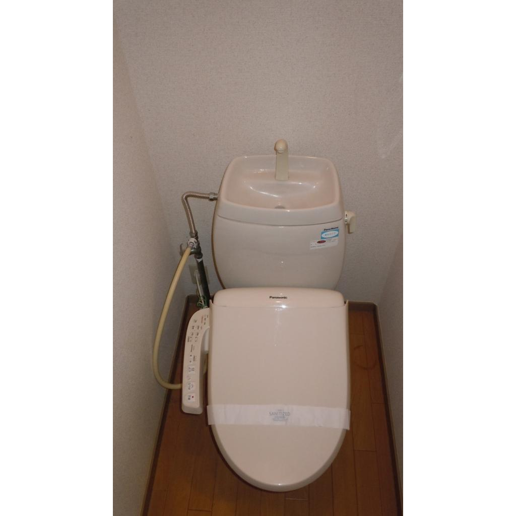 ビラージュ上高田 B号室のトイレ