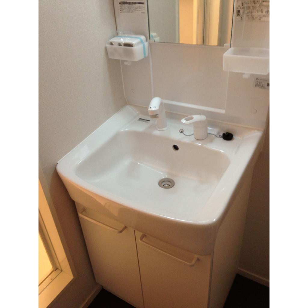 サンクラベール 101号室の洗面所