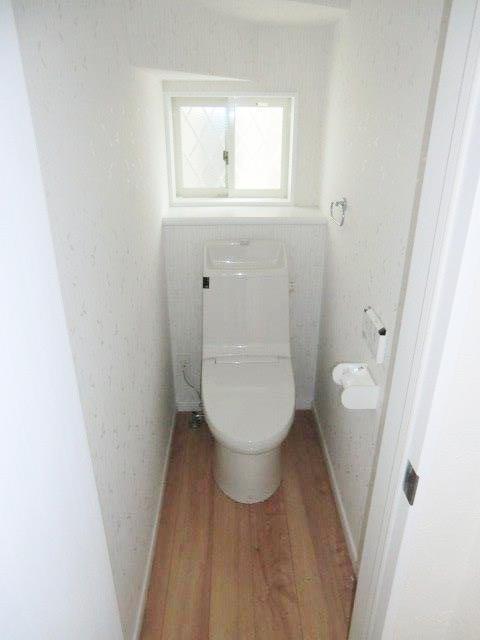 長後戸建のトイレ