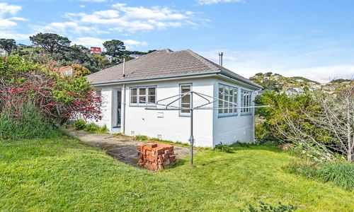 Sunny Character Cutie House for Sale in Strathmore, Wellington City 13 Kinghorne ST TENDER