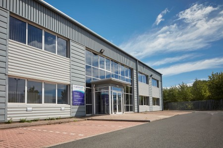 <strong>Vail Williams brings 27,484 sq ft warehouse with offices to market in West Midlands</strong>}