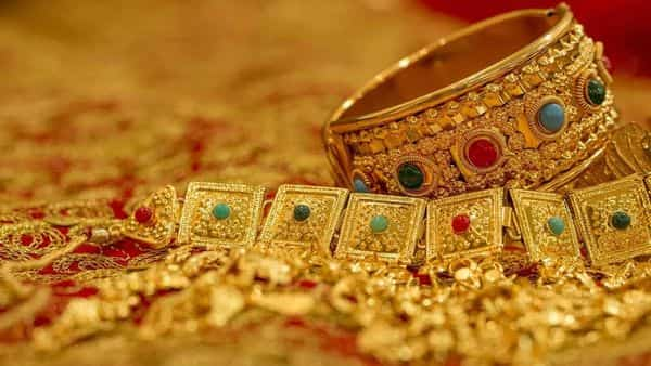 Gold-Silver Price: There has been a huge fall in the price of gold, silver also faded, today's rate