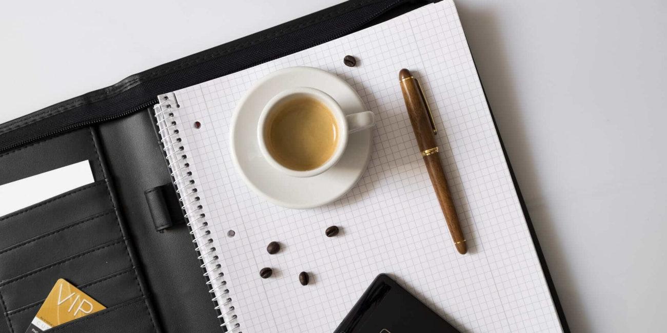 Image_Smartphopne und Kaffe