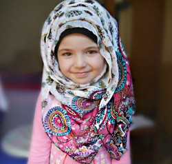 tutorial hijab wisuda anak tk 3