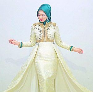 Model Jilbab Wisuda Dian Pelangi 5