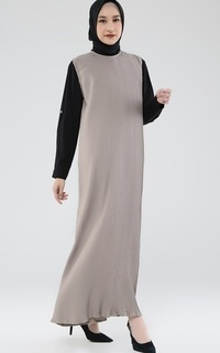 Long Dress Inner Taupe Pleats