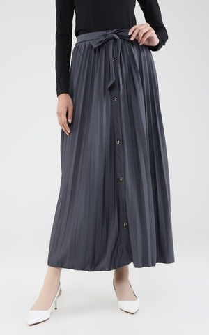 Long Skirt Plisket Flare w/ Button