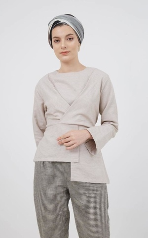 Berrybenka Modest - Halsey Asymmetric Top Brown