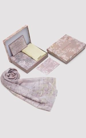 Lebaran Hampers Pink Broken White