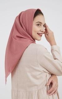 Square Hijab Ranaya Plain Hijab Mauve