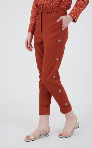 Berrybenka Modest - Jemma Button Pants Orange