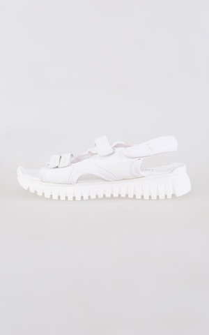 Yvone Shoes White