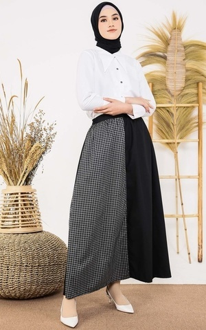 Square Black Skirt