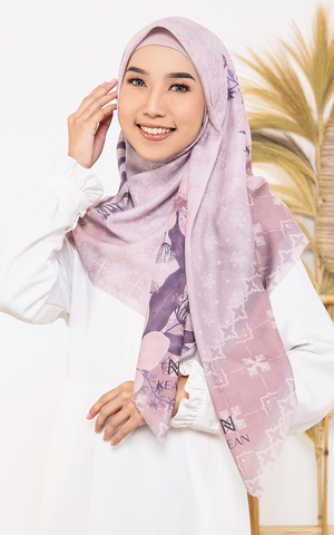 Lesty in Lilac